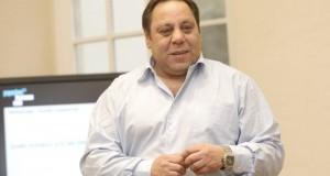 Mohamed Bayad docteur en analyse économique<p>« En matière d'innovation sociale, les PME ont à apprendre aux grands groupes »</p>