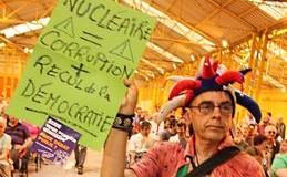 Enfouissement des déchets radioactifs à Bure : les opposants enterrent le débat public