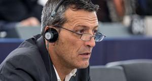 Édouard Martin, député européen social-démocrate du Grand Est<p>« <em>L'accès de la Chine au statut d'économie de marché menacerait 3 à 4 millions d'emplois en Europe</em> »</p>