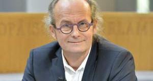 Claude Turmes, eurodéputé écologiste luxembourgeois<p>« <em>Il faut se mettre autour d'une table pour aborder la question du démantèlement </em>» </p>