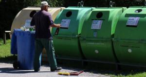 Les particuliers encouragés à recycler leurs vieux papiers grâce au doublement du parc de conteneurs