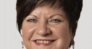 Nicole Muller-Becker, vice-présidente du conseil régional du Grand Est en charge de la coopération transfrontalière et du développement du multilinguisme<p>« <em>Il faudrait un plan Marshall pour le bilinguisme</em> »</p>