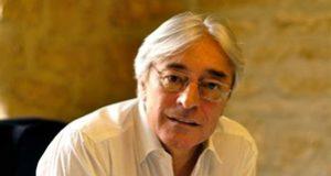 Claude Frisoni, écrivain et acteur<p>« <em>On ne peut pas demander à la culture de réussir là où le reste a échoué</em> »</p>